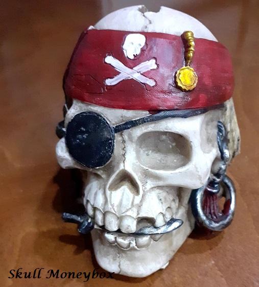 Pirate skull moneybox